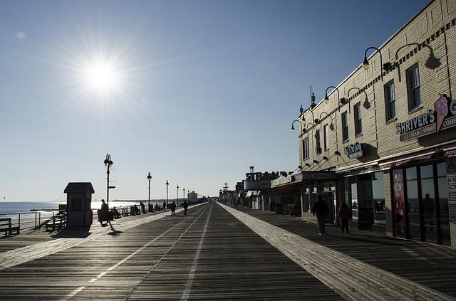 www.atlantic-city-boardwalk.jpg