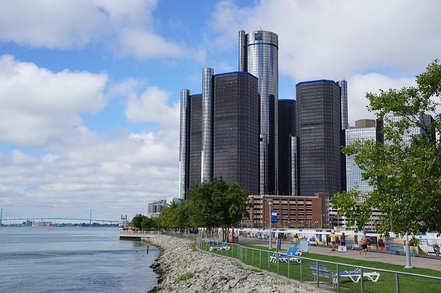 www.downtown-detroit.jpg
