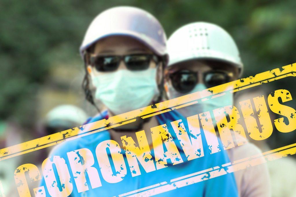 orang yang melindungi diri dari virus corona